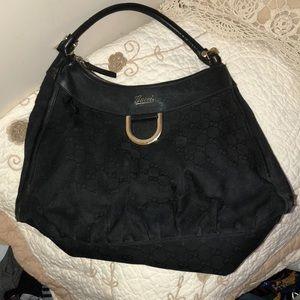 Black Gucci pocketbook